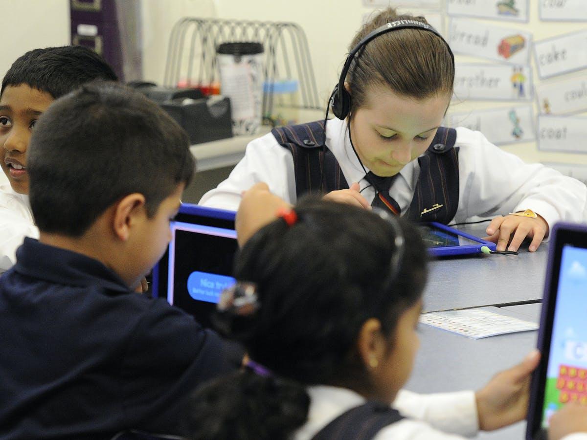 Dunia Sedang Menyaksikan Penurunan Pendidikan Sekolah di Australia